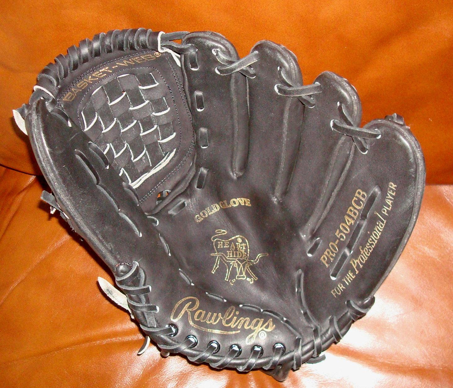 dating vintage baseball gloves